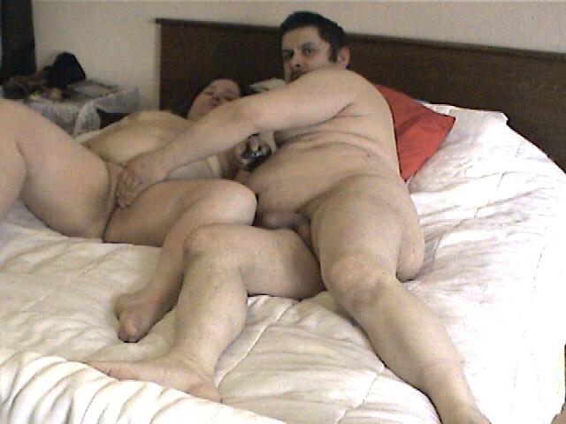 Ma femme et moi dans le lit 008