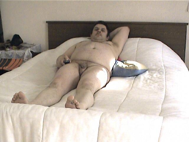 Moi nu dans le lit 001